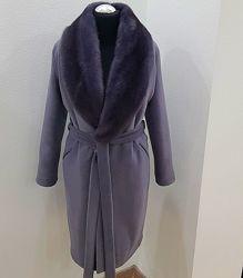 Утепленное шерстяное пальто с воротником из норки
