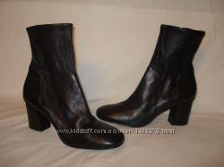 36, 37, 40 -41 р. . Новые фирменные демисезонные кожаные ботиночки