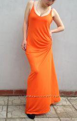 Длинное яркое платье с открытой спиной H&M