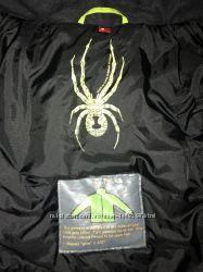 Продам лыжную куртку Spyder