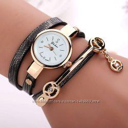 Часы-браслет женские на длинном ремешке 5 цветов
