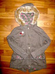 куртки, пальто, парка, ветровки девочке на 3-6 лет