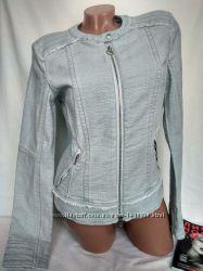 Классная короткая легкая куртка на змейке с кармашками р. n - 2, m, наш 44,