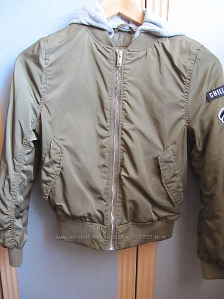 Демисезонная куртка бомбер H&M