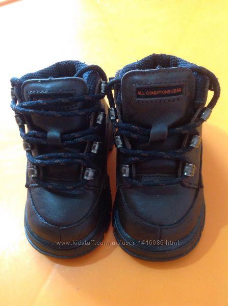 Продам оригинальные детские кожаные ботиночки nike acg 20 р13 см