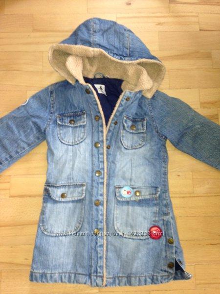 Тепленькое демисезонное пальтишко Palomino на девочку на 3-4 года