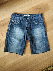 Моднячие джинсовые шорты  Tommy Hilfiger, размер М