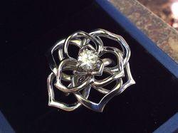 Золотое кольцо с бриллиантом 0.75 карат