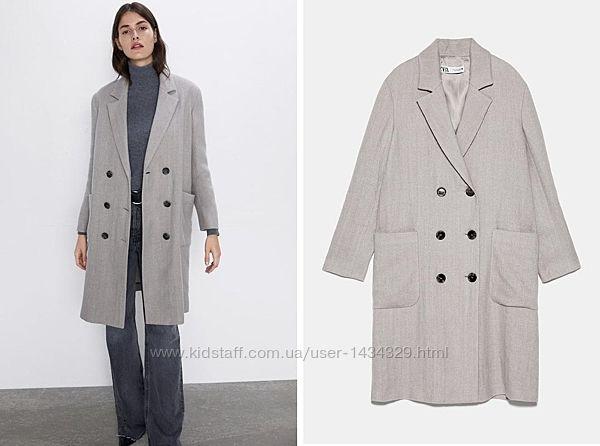 Пальто для женщин от бренда Zara.