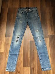 Стильные джинсы Zara размер S-XS в идеале