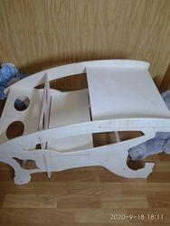 Детская парта, столик, качалка-лошадка 3 в 1, стульчик для кормления