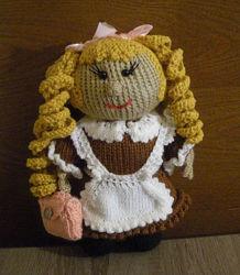 Кукла школьница. вязаная.