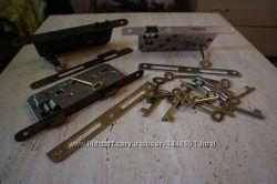 Дверные врезные замки с ключами и накладками