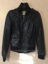 Женская кожаная куртка Pull&Bear, размер XS