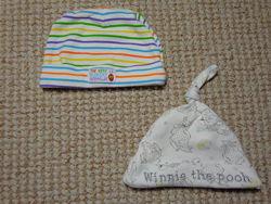 Фирменные шапульки для новорожденных малышей новые