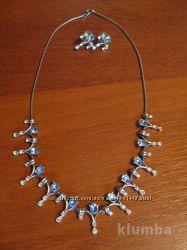 Ожерелье  серьги, колье с камнями Swarovski, привезли с Индии