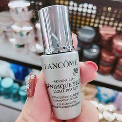 Активатор молодости для кожи вокруг глаз Lancome Genifique Yeux Light-Pearl