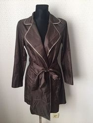Очень милый плащ дождевик приятного коричнев. цвета от viadel, размер евр36