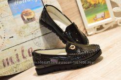 Лаковые туфли для девочки, 26-28 размер