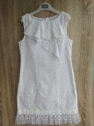 Два платья девочке 8-10 лет в хорошем состоянии