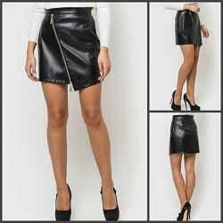 Модная юбка черная, короткая кожаная на молнии. юбочка женская кожзам 10013