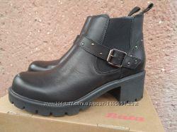 Новые демисезонные женские ботинки Bata, р. 39