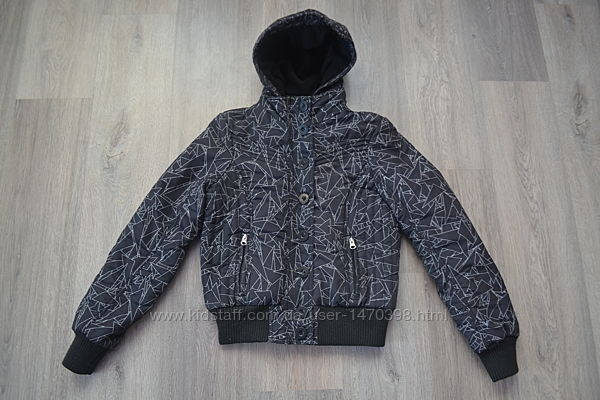 Деми куртка на синтепоне ф. Fishbone р. XS-S в отличном состоянии