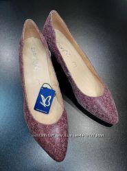 Туфли из натуральной кожи немецкого бренда Caprice бордовые, р. 40