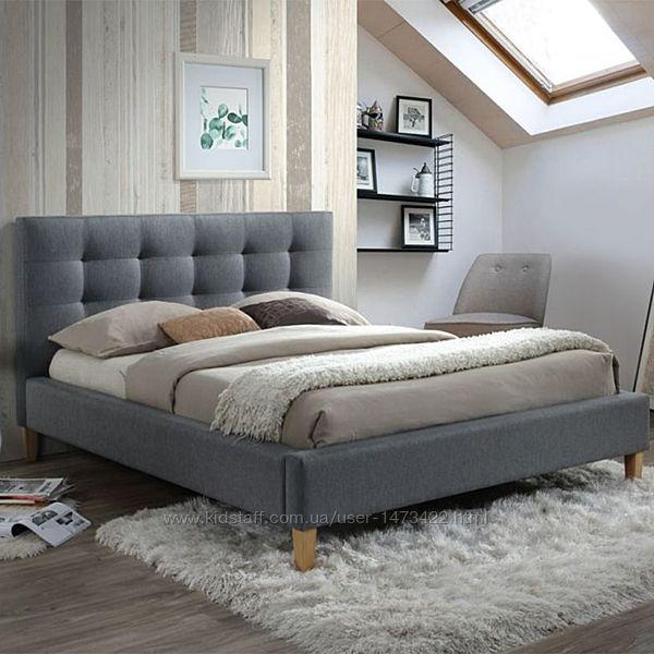 Кровать двуспальная с доставкой на дом. Ламели. Стильная внешность
