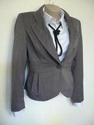 Пиджак женский классика  р.12 серый