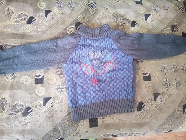 Одежда свитера и кофты для мальчиков от 2 - 5 лет в отличном состоянии