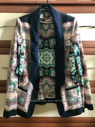 Оригинальный пиджак с орнаментом 10рр