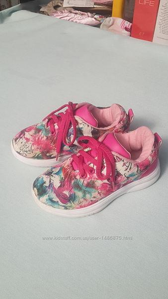 Кроссовки тканевые LC Waikiki для девочки, размер 27, стелька 17,5 см.