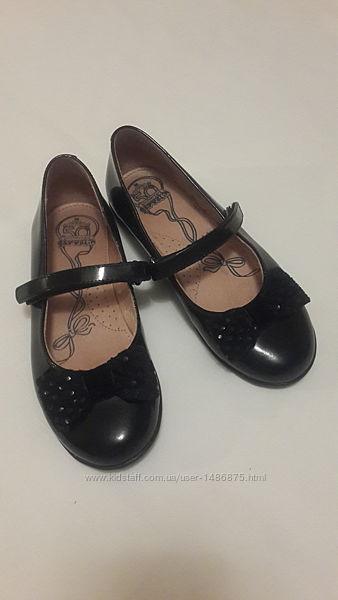 Туфли кожаные лакированные для девочки размер 30, Garvaline Испания