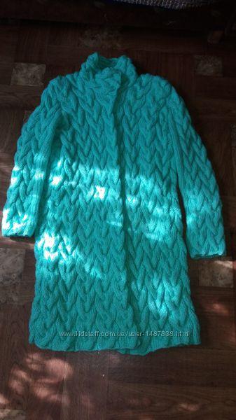 вязаное пальто 48-50р шерстяноеочень теплое. ручная работа