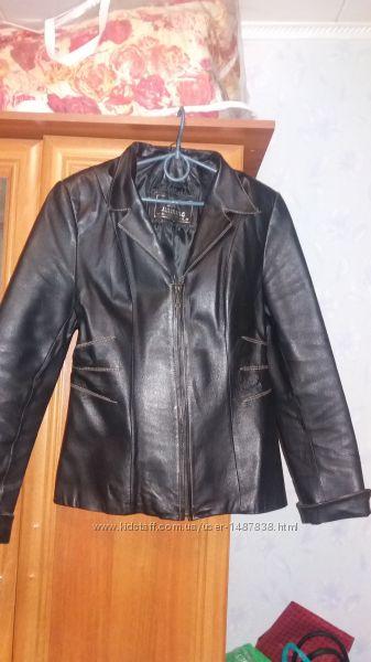 Кожаная куртка- пиджак 46-48р