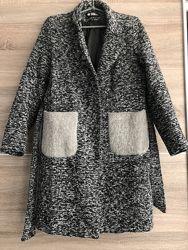 Твидовое демисезонное пальто  olko