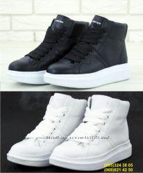 Женские кроссовки Alexander McQueen Hi black white черные a59a52428de57