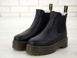 Зимние женские ботинки Dr. Martens Platform Chelsea. Black. Искусственный м