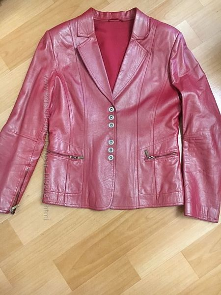 пиджак женский , натуральная кожа, размер М