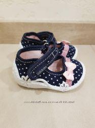 Продам текстильные туфельки Viggami состояние новых