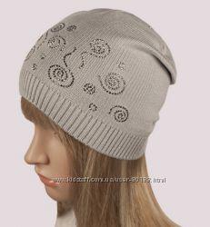 Трикотажная шапка гладкой вязки