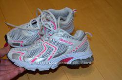 Фірмові кросівки в ідеалі