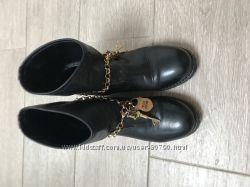 Ботинки оригинал love moschino