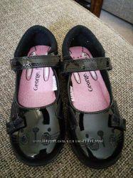 Новые красивые туфли  George  р. 34