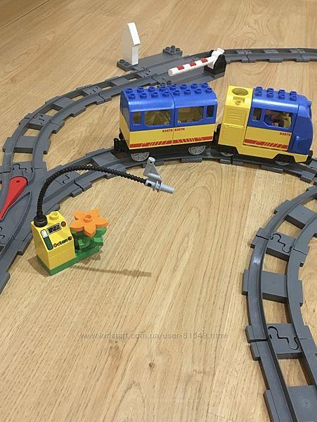 Железная дорога  LEGO Duplo и  2 набора рельсов