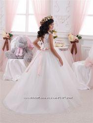 Элегантные платья Огромный выбор - более 200 платьев в наличии