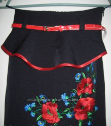 Вышитая детская юбка с красным пояском