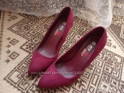 Замшевые туфли 24см