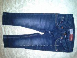 Продам узкие джинсы  TOMMY HILFIGER на девочку рост 68-80